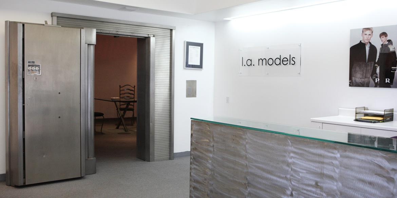 l.a.models ハインツ ホルバ オーガスト マガジン